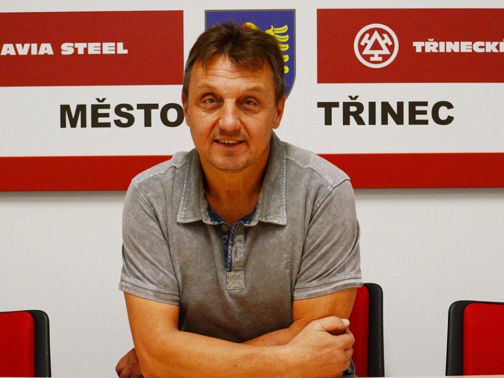 Trenér třineckých fotbalistů Jiří Neček.