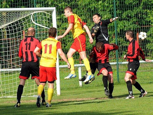 Frýdlantští fotbalisté si díky dvěma trefám útočníka Chýlka připsali do tabulky další tři body.