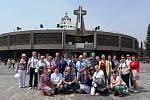 Jablunkovská skupina před bazilikou v Guadalupe