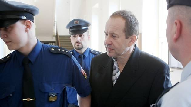 K jedenácti rokům vězení byl 10. dubna odsouzen kokainový pašerák – čtyřiatřicetiletý Igor Cydrich z Frýdku-Místku. Rozsudek vynesl Krajský soud v Ostravě, podle kterého byl Cydrich napojený na mezinárodní drogový gang,  z Latinské Ameriky pašoval drogy.