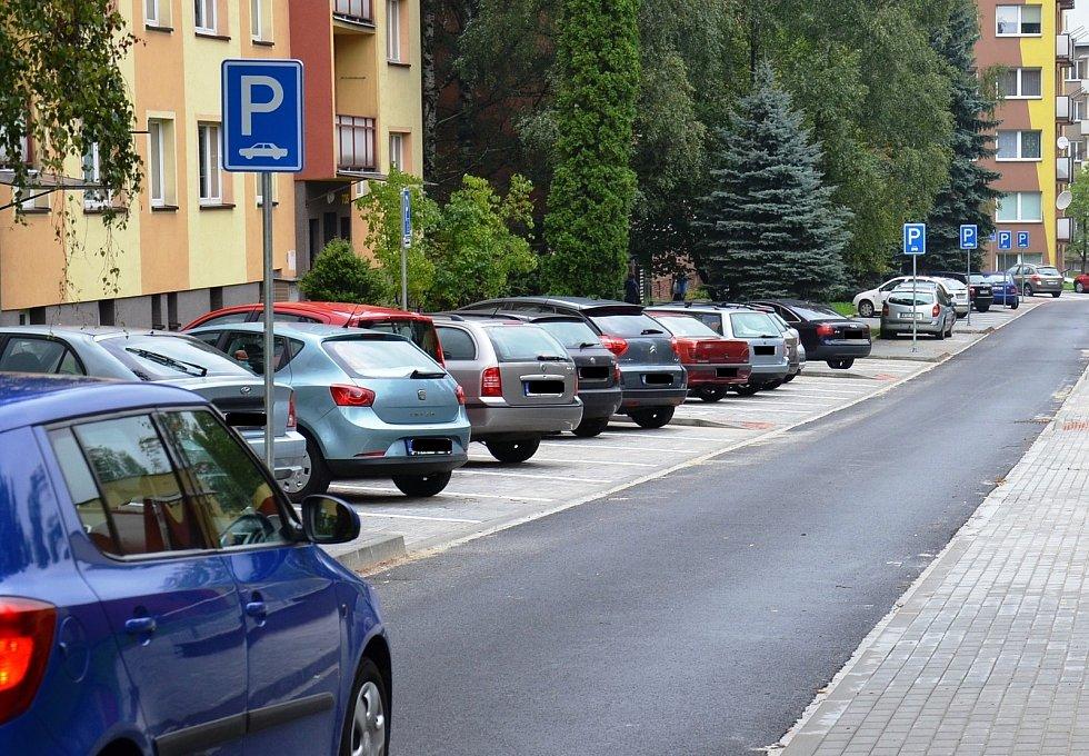 Parkování v Třinci.