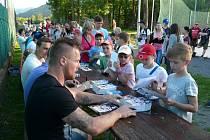 Po utkání proběhla autogramiáda třineckých hokejistů.