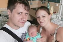Jakub Klement s rodiči, Frýdek-Místek, nar. 17. 7., 51 cm, 3, 84 kg. Nemocnice ve Frýdku-Místku.