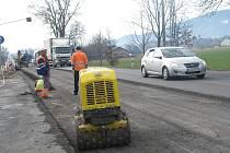 Oprava silnice I/11 v Třinci-Neborech. Ilustrační foto.