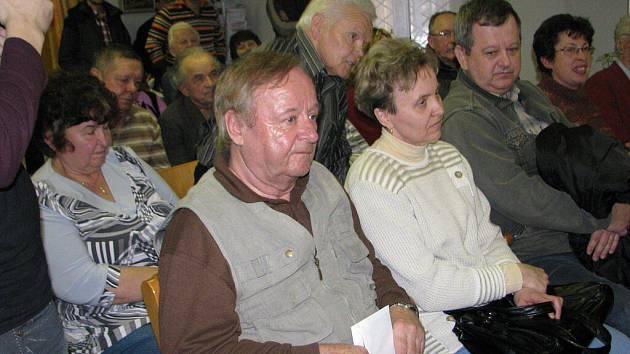 V bývalém penzionu se mluvilo o problémech třinecké části Oldřichovice. Setkání s občany, jak se pravidelné akci říká, nabídlo několik témat a místy i bouřlivou diskuzi.