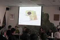 Prezentace projektu Brownfield Frýdecká na třineckém zastupitelstvu. Počítá se s regenerací plochy o rozloze 14 364 metrů čtverečních, celkové náklady se odhadují na zhruba 27,6 milionu korun.