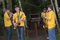 Majáles hostila v sobotu hudební hospůdka U Arnošta ve Frýdku-Místku. Návštěvníkům se jako první představila frýdecko-místecká formace Šuba duba band.