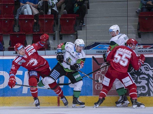 Třineckým hokejistům se na Vary daří.