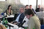 Snímek z posledního mimořádného jednání třineckých zastupitelů.