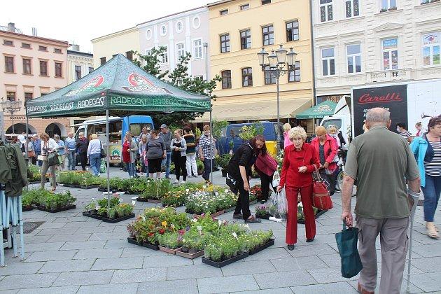 Farmářské trhy opět zavítaly na náměstí Svobody vMístku.