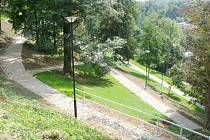 Do tmy se v sobotu ponoří také většina parků i sadů ve Frýdku-Místku. Výjimkou nebude ani parčík pod zámkem.Ilustrační foto.