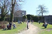 Hrad Hukvaldy, jedna z nejnavštěvovanějších kulturních památek v kraji. Ilustrační foto.