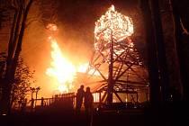 Posledním přírůstkem na smutném seznamu je dřevěný kostel v Gutech. Nejvzácnější a nejstarší památku v Třinci 3. srpna úmyslně zapálili tři mladíci jen tři roky poté, co skončila její rekonstrukce.