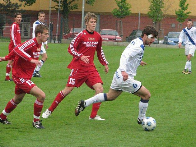 Fotbalisté Frýdku-Místku sehráli v týdnu přípravné utkání s juniorkou Sigmy Olomouc. Zápas skončil nakonec bezbrankovou remízou.