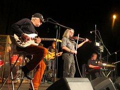 V Národním domě ve Frýdku-Místku vystoupila ve čtvrtek 19. listopadu legendární skupina The Plastic People of the Universe, která vznikla v roce 1968.