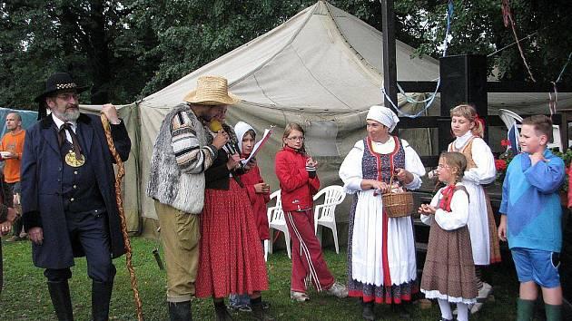 Velkou zábavu pro děti i dospělé nabídla v sobotu 28. srpna od deseti hodin akce Lašské olympijské hry, která se oficiálně poprvé uskutečnila na hřišti na Kamencu v Hodoňovicích u Bašky.