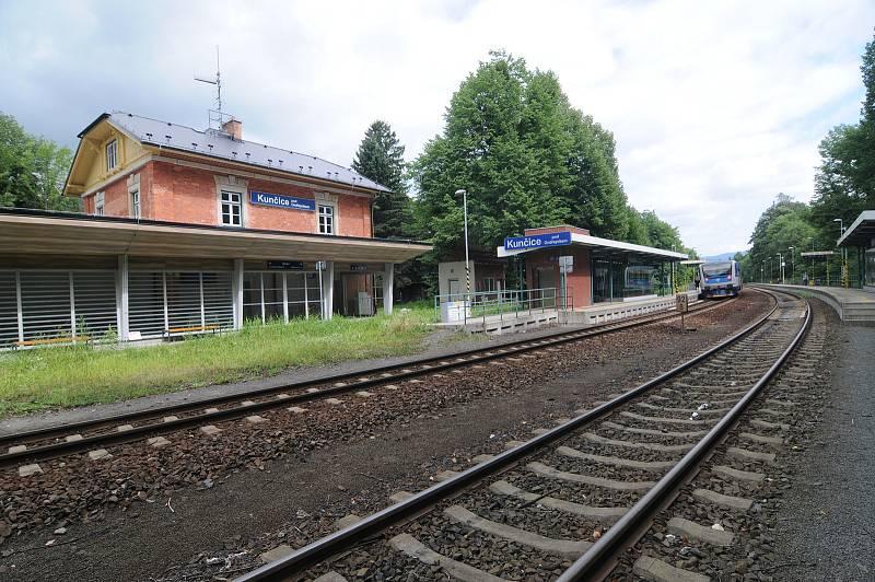 Vlakové nádraží v Kunčicích pod Ondřejníkem.