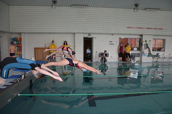 VELKÁ CENA vplavání přilákala do Frýdku-Místku na sto osmdesát plavců.