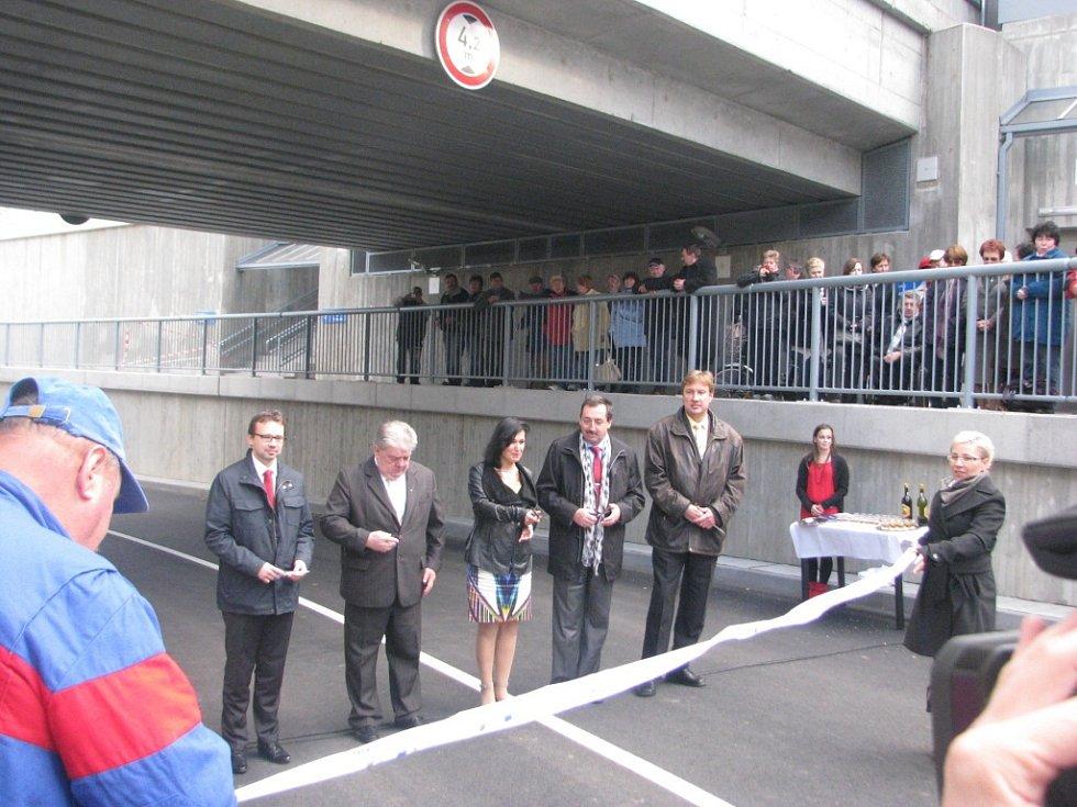 Slavnostní otevření silničního podjezdu v třineckých Lyžbicích.