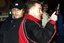 Trenér Frýdku-Místku Tomáš Špaček (vpravo) je s výkonem svých svěřenců spokojen.
