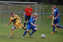 Vedle extrémních závodů se Marek Causidis (vlevo) věnuje také ještě fotbalu, když hraje I. A třídu za Dobratice.