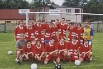 Mladým fotbalistům Sokola Hnojník se povedl husarský kousek. Během dvou sezon totiž svěřenci trenéra Petra Caletky dvakrát postoupili.