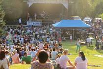 Beskydské hudební léto má za sebou další vydařený koncert. V areálu ostravického Sluníčka vystoupila slovenská zpěvačka Kristína, lidem se líbila i předkapela Nebe.