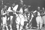 CIMBÁLOVÁ MUZIKA existovala ve Lhotce už před dechovkou, novou muziku sestavil až pro soubor Pilky Vincenc Socha.