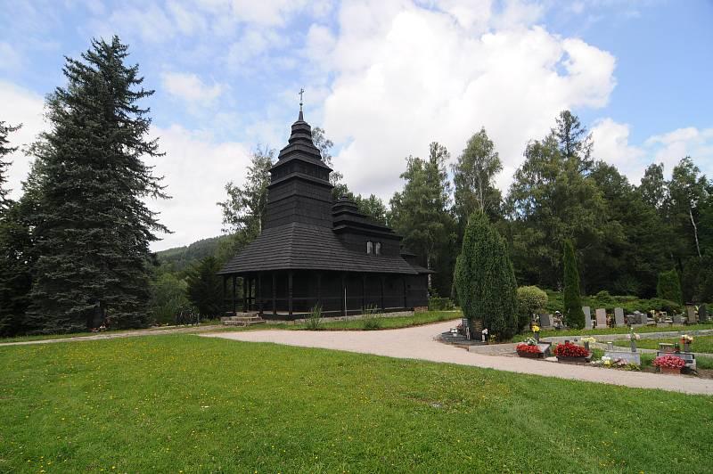 Dřevěný kostel sv. Prokopa a sv. Barbory v Kunčicích pod Ondřejníkem.