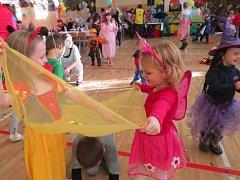Dětský maškarní ples. Ilustrační snímek.