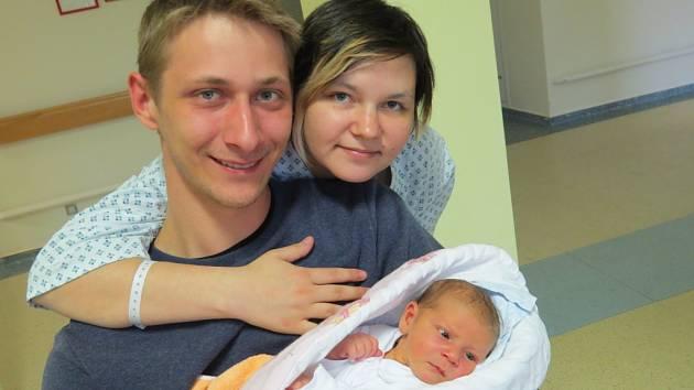 Laura Koloničná, Metylovice, nar. 24. 4., 50 cm, 3,40 kg.  Nemocnice ve Frýdku-Místku.