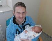 Adam Plachký s tatínkem, Frenštát pod Radhoštěm, nar. 25. 12., 51 cm, 3,83 kg. Nemocnice ve Frýdku-Místku.