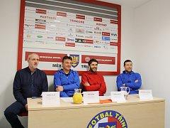 Na tiskové konferenci před začátkem jarních odvet odpovídali na dotazy Karel Kula, Jiří Neček, Dario Krišto a Benjamin Vomáčka (sedí zleva).