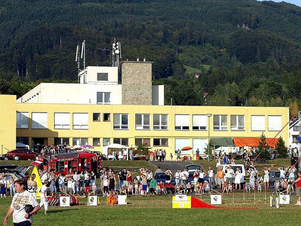 V Kunčicích pod Ondřejníkem se o víkendu bavili. V areálu Základní školy K. Svolinského slavili Den obce.