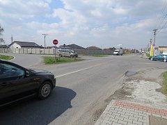 Křižovatka ve Sviadnově představuje dopravní uzel ve směrech na Místek, Lískovec, Paskov a Staříč. V létě by se měla dočkat velké rekonstrukce, která bude spojená s uzavírkou.