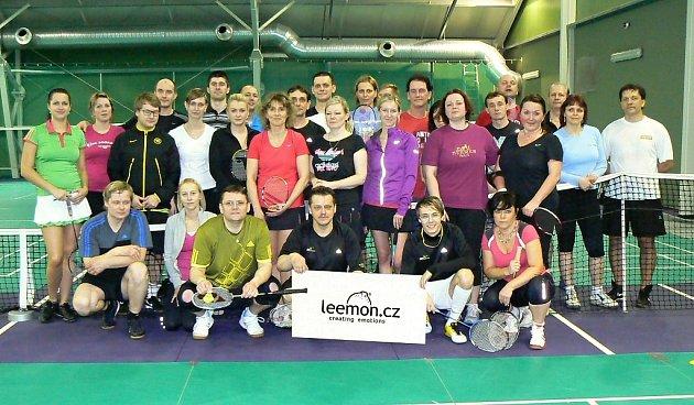 Čtvrtý turnaj smíšených amatérských dvojic Leemon badminton cup.