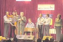 Na koncertě pro Ukrajinu vystoupil také soubor Hradišťan v čele s Jiřím Pavlicou.