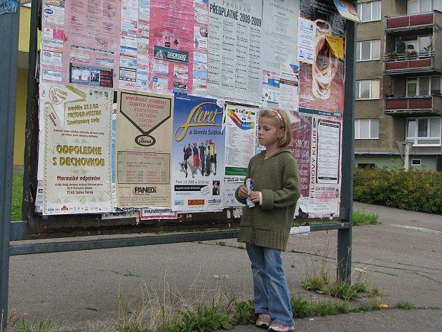 Ve Frýdku–Místku je celkem 33 oficiálních výlepových ploch. Poslední dobou se na nich ale stále častěji objevují načerno vylepené plakáty.