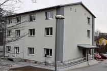 V rekonstruované farní budově Slezské církve evangelické v Třinci vzniklo šest nových bytů.
