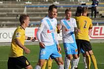 Jediným střelcem gólu v dresu Valcířů byl Marián Kovařík (uprostřed v bílém).