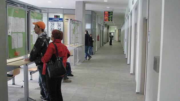 Práci v regionu hledá téměř jedenáct tisíc lidí. Frýdecko–místecký úřad práce na konci ledna nabízel 549 volných míst, z nichž 362 se týkalo dělnických profesí.