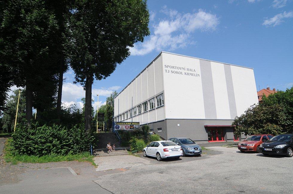 Sportovní hala v Krmelíně.