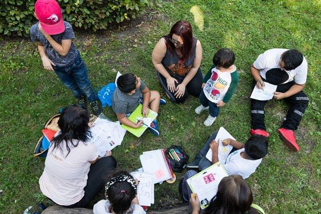 Bunkr se věnuje dětem, mladým lidem, rodinám imístní komunitě.