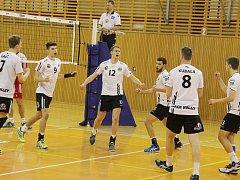 Volejbalisté Black Volley Beskydy porazili ve čtvrtfinále B tým ČZU Praha 3:0 a lehce tak postoupili do další fáze play-off první ligy.