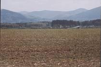Pozemky určené pro průmyslovou zónu v Horních Tošanovicích.