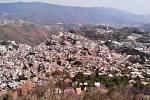 Pohled na město stříbra Taxco