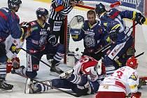 1. kolo hokejové extraligy: Třinec - Liberec 1:4 (0:2, 1:1, 0:1)