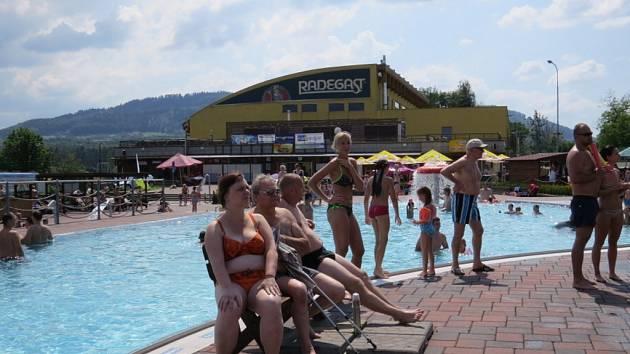 Aquapark ve Frýdku-Místku je nyní v obležení lidí.