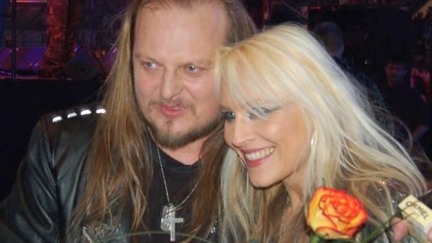 V Třinci se představí i hvězda světového heavy metali Doro Pesch z Německa. Na ilustračním snímku s Ladislavem Křížkem