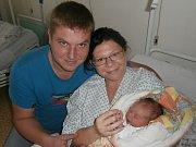 Daniel Mlynář s rodiči, Vojkovice, nar. 8. 11., 47 cm, 2,74 kg. Nemocnice ve Frýdku-Místku.